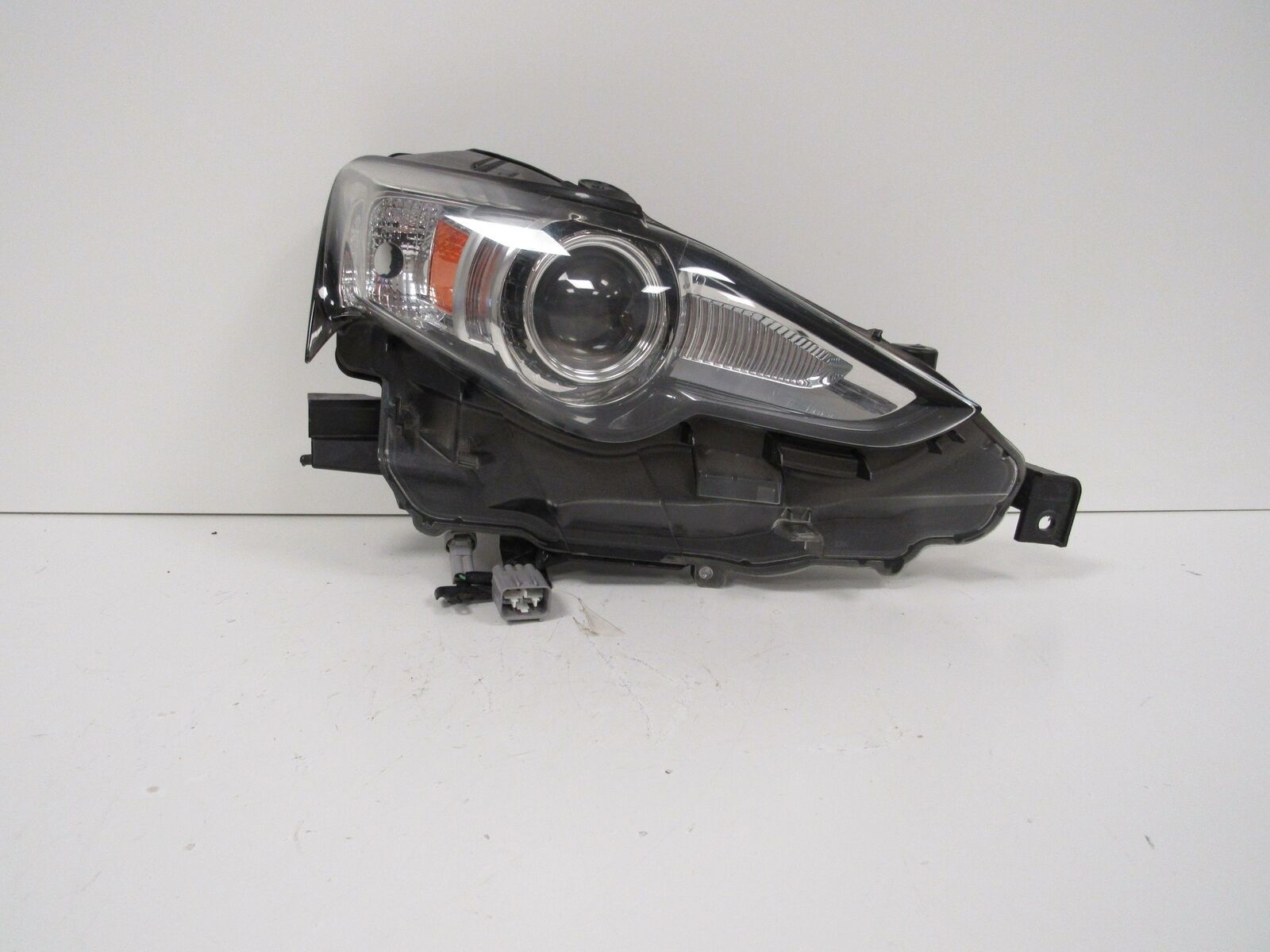 Primary image for 2014 2015 2016 LEXUS IS250 IS350 RH PASSENEGR HEADLIGHT OEM B114R