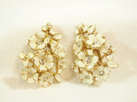 CHAREL Rhinestone Enamel FLOWERS Floral Beige Off White Clip on Earring ... - $24.74