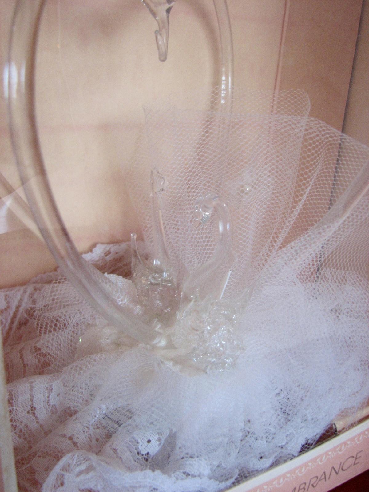 1987 Wedding Swans Topper Cake Ornament Loves Remembrance Heartline USA
