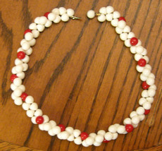 "RED & WHITE Necklace CHUNKY CHOKER Off Set Center Beads 16"" Beaded RETRO... - $19.75"