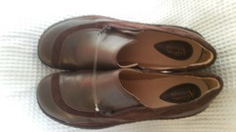 womens 9 Clarks Artisan Collection leather upper casual shoes brown - $29.99