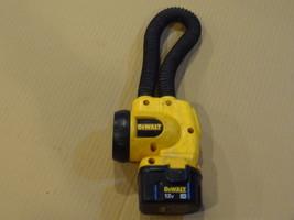 Dewalt 12 Volt Flexible Flashlight DW917 Used With 1 Battery 9071 Works Well - $36.99