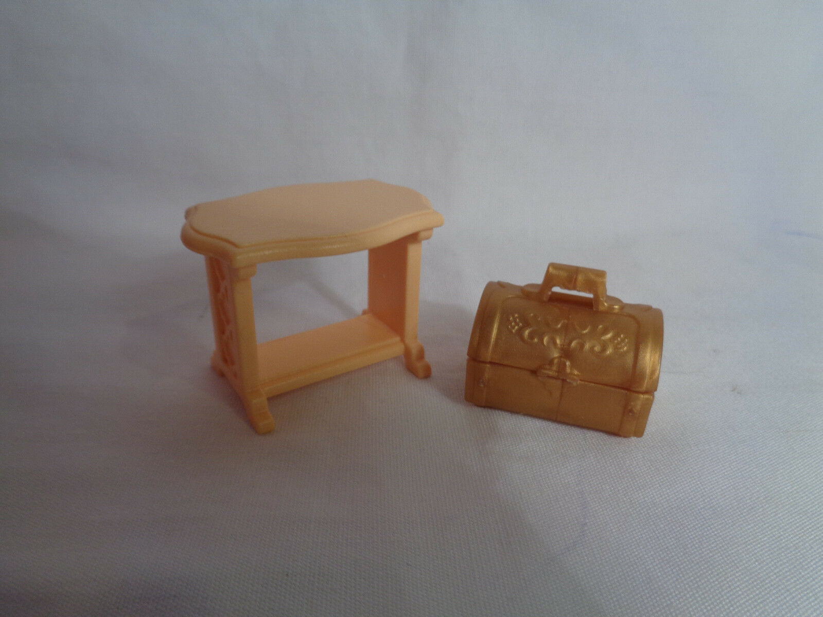 Playmobil Princess Castle Replacement Tan Accent Table & Small Chest image 2