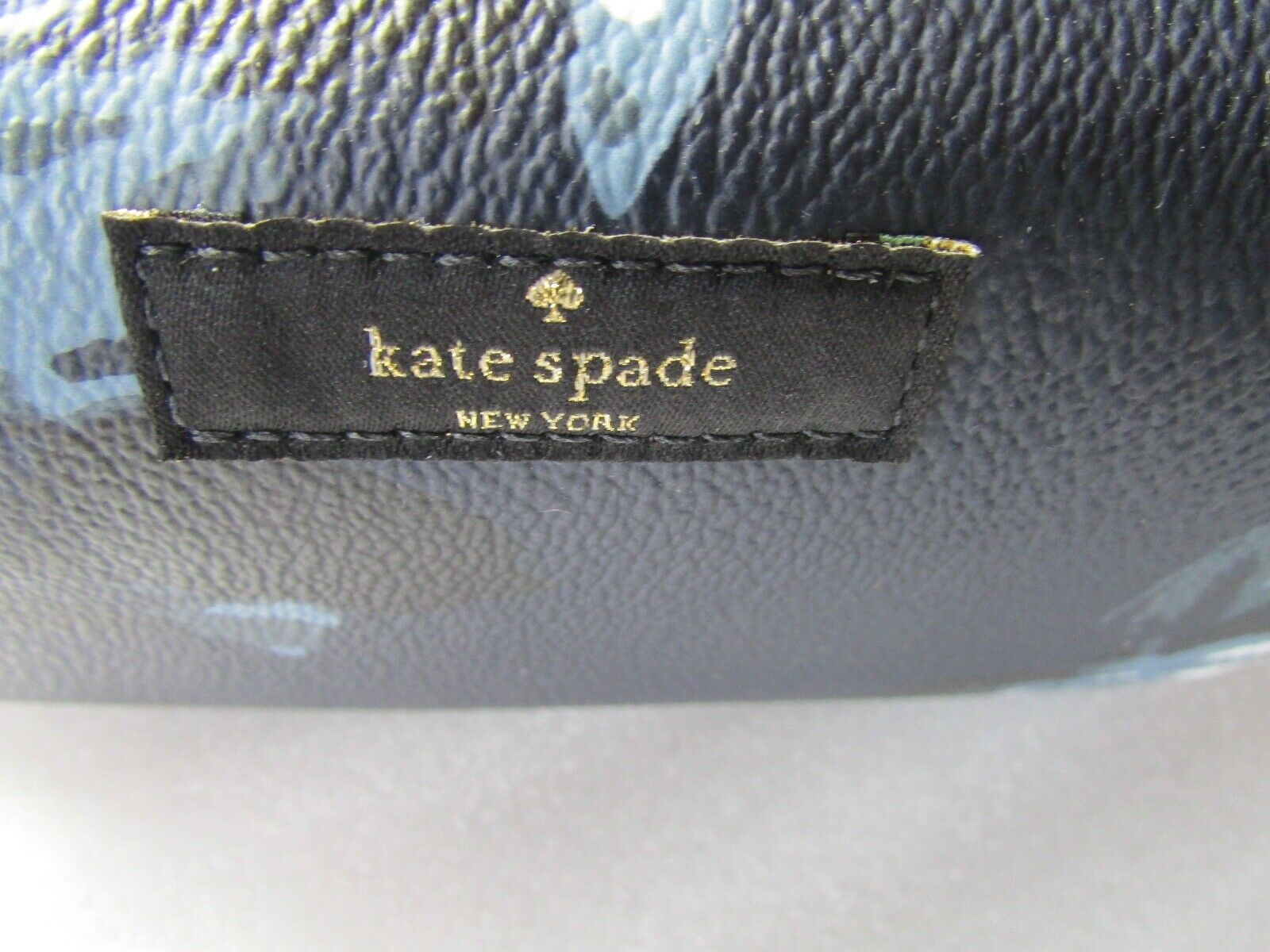 Primary image for Kate Spade Cosmetic Bag Shore Street Night Rose Medium Davie NEW