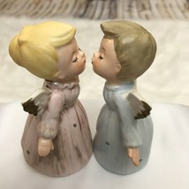 Vintage Lefton Set Of 2 Kissing Angels Girl And Boy Pink And Blue #7596 - $31.68