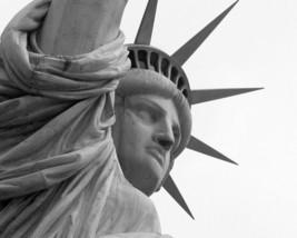 Statue of Liberty / Lady Liberty 8 x 10 / 8x10 GLOSSY Photo Picture IMAG... - $3.99