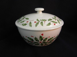 Lenox Ivory American by Design Holiday Holly & Berry Cov. Vegetable/Serv... - $19.99