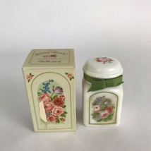 Vintage Avon Country Garden Milk Glass Bird of Paradise Bath Bottle & Bo... - $8.33