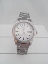Seiko watch, quartz movement, white dial SJW061 - $70.70