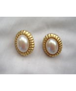 Vintage Gold Tone Pearl and Shell Post Earrings 1980's - £8.04 GBP