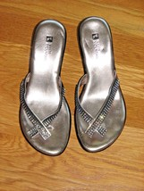 Women's WHITE MOUNTAIN Thong Sandals Silver Black Embellished Studded Size 6 - £9.61 GBP