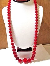 RED MARBLED LONG HAND KNOTTED GRADUATED CHERRY MARBLED BEADED LUCITE NEC... - $43.00
