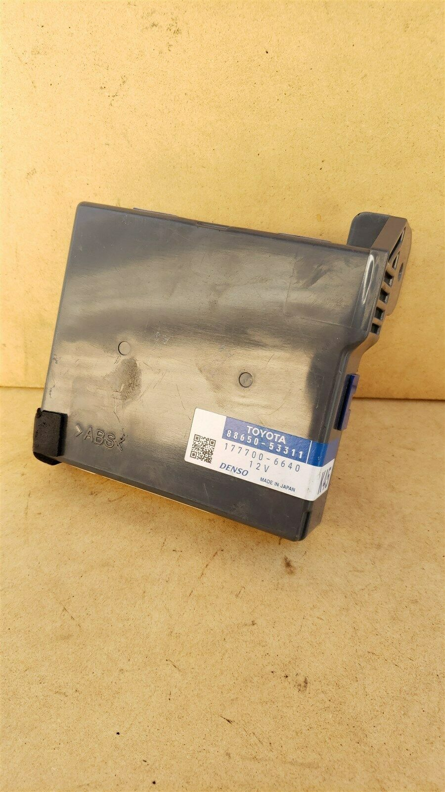 Lexus iS250 Air Conditioner AC Amplifier Control Module 88650-53311