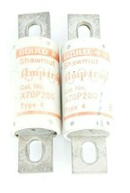 LOT OF 2 GOULD SHAWMUT A70P200 AMP-TRAP FUSES TYPE: 4