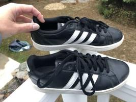 Women's Adidas Neo Cloudfoam  Black White Shoe Size 8 - $22.79