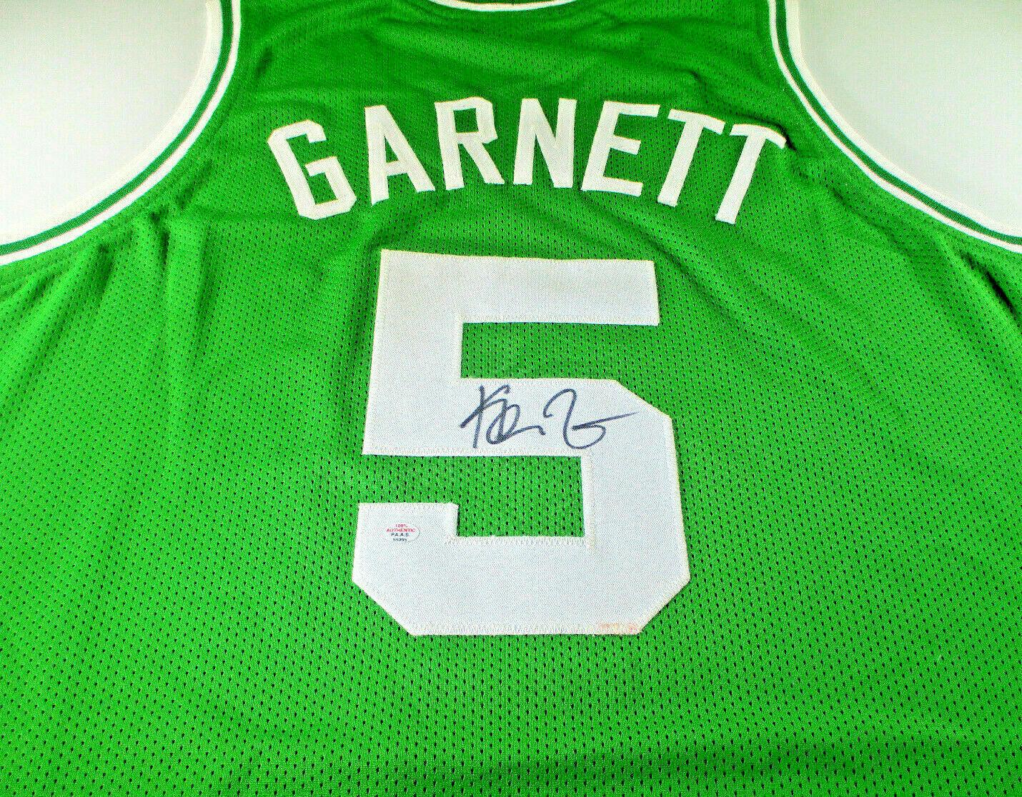 KEVIN GARNETT / NBA CHAMPION / AUTOGRAPHED BOSTON CELTICS CUSTOM JERSEY / COA