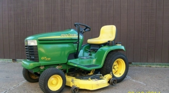 John Deere GT225 GT235 GT235E GT245 Lawn And 28 Similar Items