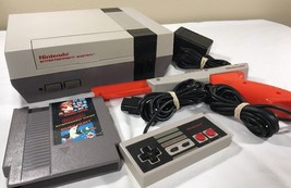 Original Nintendo NES Console Controller Zapper Gun Duck Hunt Mario Powe... - $99.99