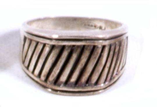 Early .925 Sterling Silver Avon RJ Design Ring