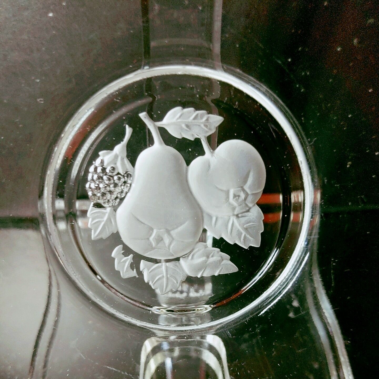 """12 IMPERIAL GLASS Vintage Frosted Fruit Intaglio Round 6.25"""" Plates"""