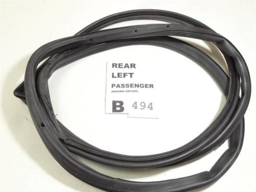 Primary image for 2003-2005 HONDA CIVIC REAR LEFT DOOR WEATHER SEAL RUBBER FEO B494