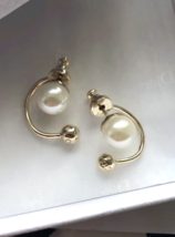 Authentic Christian Dior Mise En Dior Pearl CD Logo Earrings Gold Mint