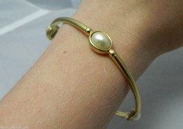 VTG Beautiful Gold Tone Faux Pearl Bangle Bracelet - $11.88