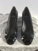 Stuart Weitzman TutiFruitti Navy Crepe Patent Leather Kitten Heel Open Toe Sz 8 - $88.11