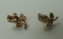 Vintage Signed Karu Rose Flower Rhinestone Screw-back Earrings - $15.99