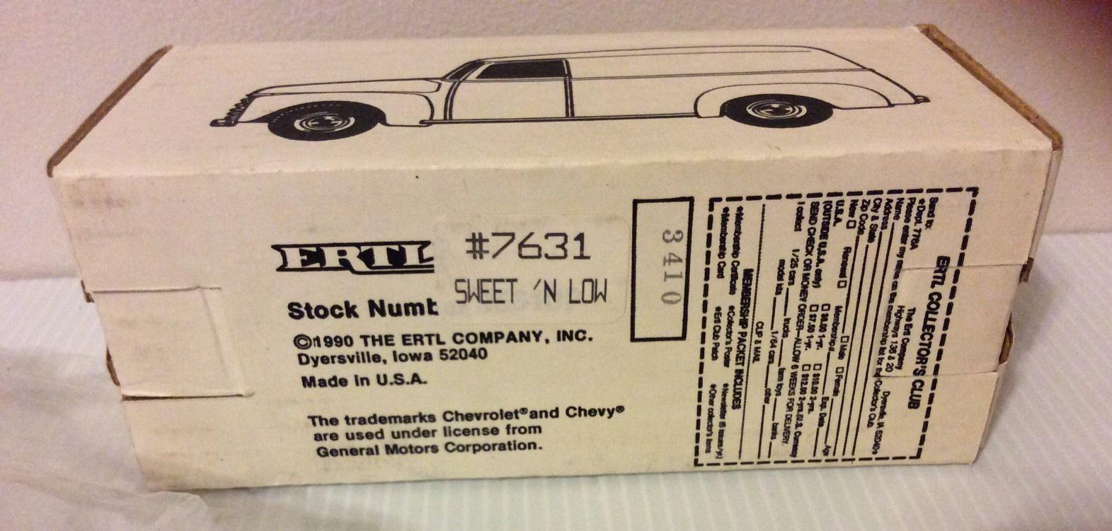 ERTL Sweet N Low 1950 Chevy Panel Bank With Key Die Cast Metal 1/25 Scale Pink