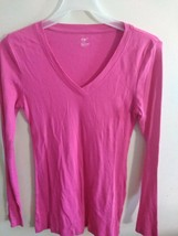 Gap Women's Top,  V Neck, Long Sleeves , pink . Size S - $11.88