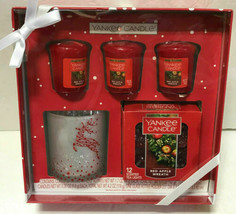 Yankee Candle Red Apple Wreath Gift Set NEW Tea Lights Votives Glass Hol... - $19.59