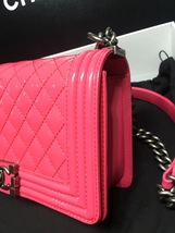 NEW AUTH CHANEL PINK QUILTED PATENT LEATHER MEDIUM BOY FLAP BAG  image 5