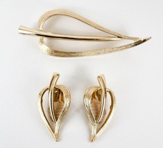 Sarah Coventry Brooch Set Heart Leaf Pin and Clip Earring Set Vintage - $33.85