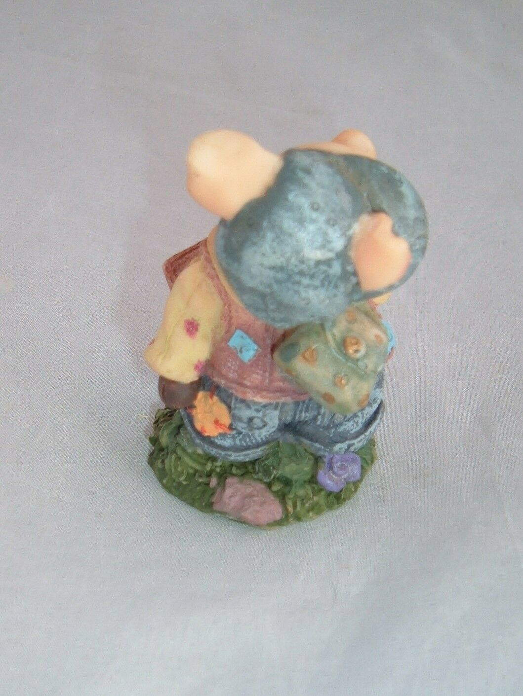VTG collectible little pig with backpack resin figurine country kitsch kawaii