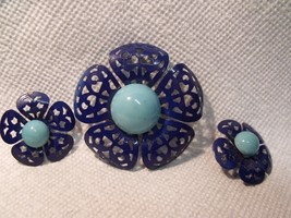 RETRO 60'S TWO TONE BLUE ENAMELLED METAL FLOWER PIN AND CLIP ON EARRINGS... - $19.80