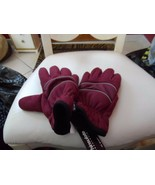 Maroon and black Thinsulate gloves size Small from the GAP - $12.00