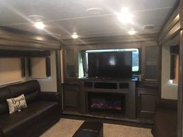 2018 5th wheel Montana High Country For Sale In Canton, GA 30115 image 9
