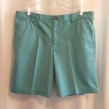 Izod Men's Saltwater Shorts Size 42 Yucca Green Flat Front Zipper Front ... - $14.00