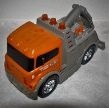 Matchbox Toy Tow Truck Battery Operated Sounds Motorized 2006 - $16.07