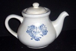 Unused Pfaltzgraff Stoneware YORKTOWNE 5 Cup Teapot with Lid USA - $34.00