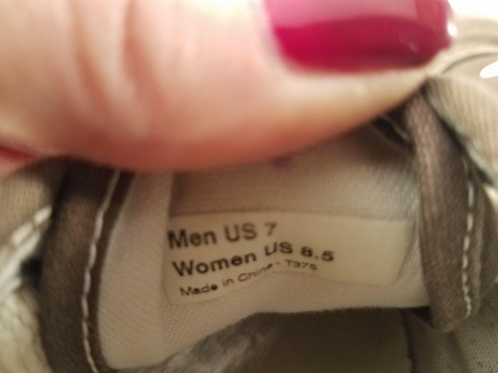 VANS Women's (8.5) or Men's (7) Brown Low-Top Canvas Lace Up Shoes