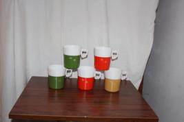 5 Mid Century Modern Plastic Mugs Thermo Starburst Pattern Red Green Tan - $34.65