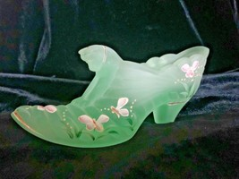 Fenton Art Glass Willow Green Hand Painted Melon Cat Slipper Shoe Scott Fenton - $55.00