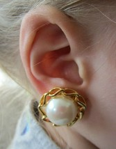 Vintage Faux Pearl Gold Tone Lacy Flower Classic Clip On Earrings - $11.64