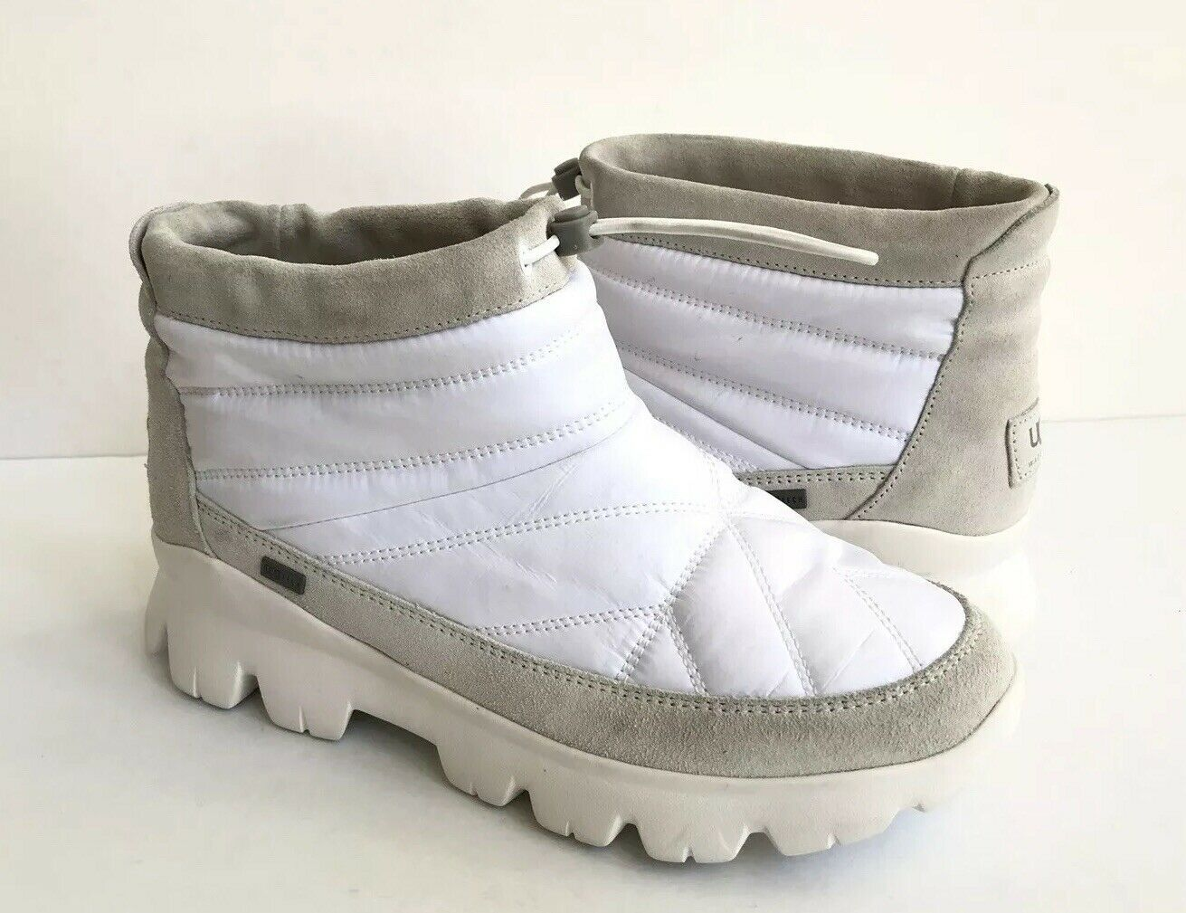 UGG CENTARA WHITE WATERPROOF ANKLE QUILTED SNEAKER SHOE US 6.5 / EU 37.5 /UK 4.5