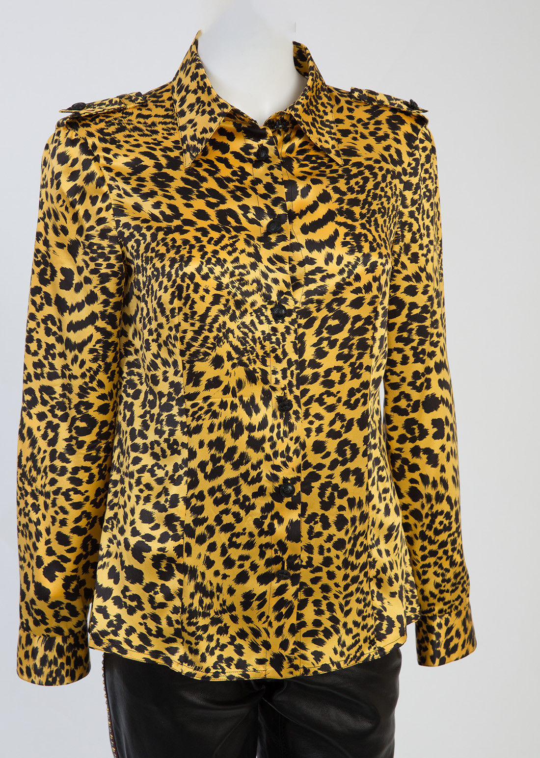75bda400 Vintage Gianni Versace Shirts - 139 For Sale at 1stdibs