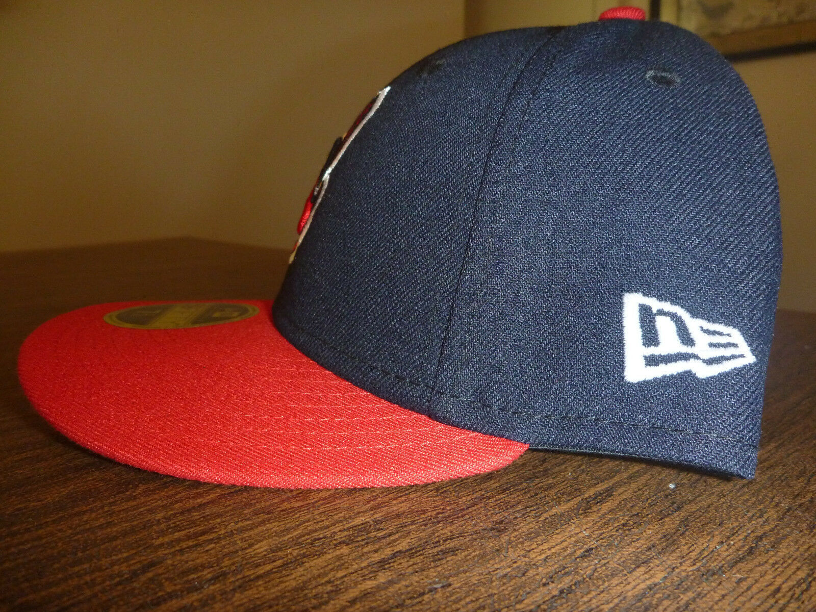 new arrival e269c 2f6cf CLEVELAND INDIANS NEW ERA HOME ON FIELD LOW PROFILE CHIEF WAHOO LOGO FITTED  HAT