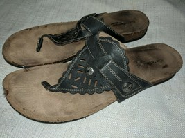 Earth Origins Black Leather Cut Out Thong Sandals Size 11 M - $24.74