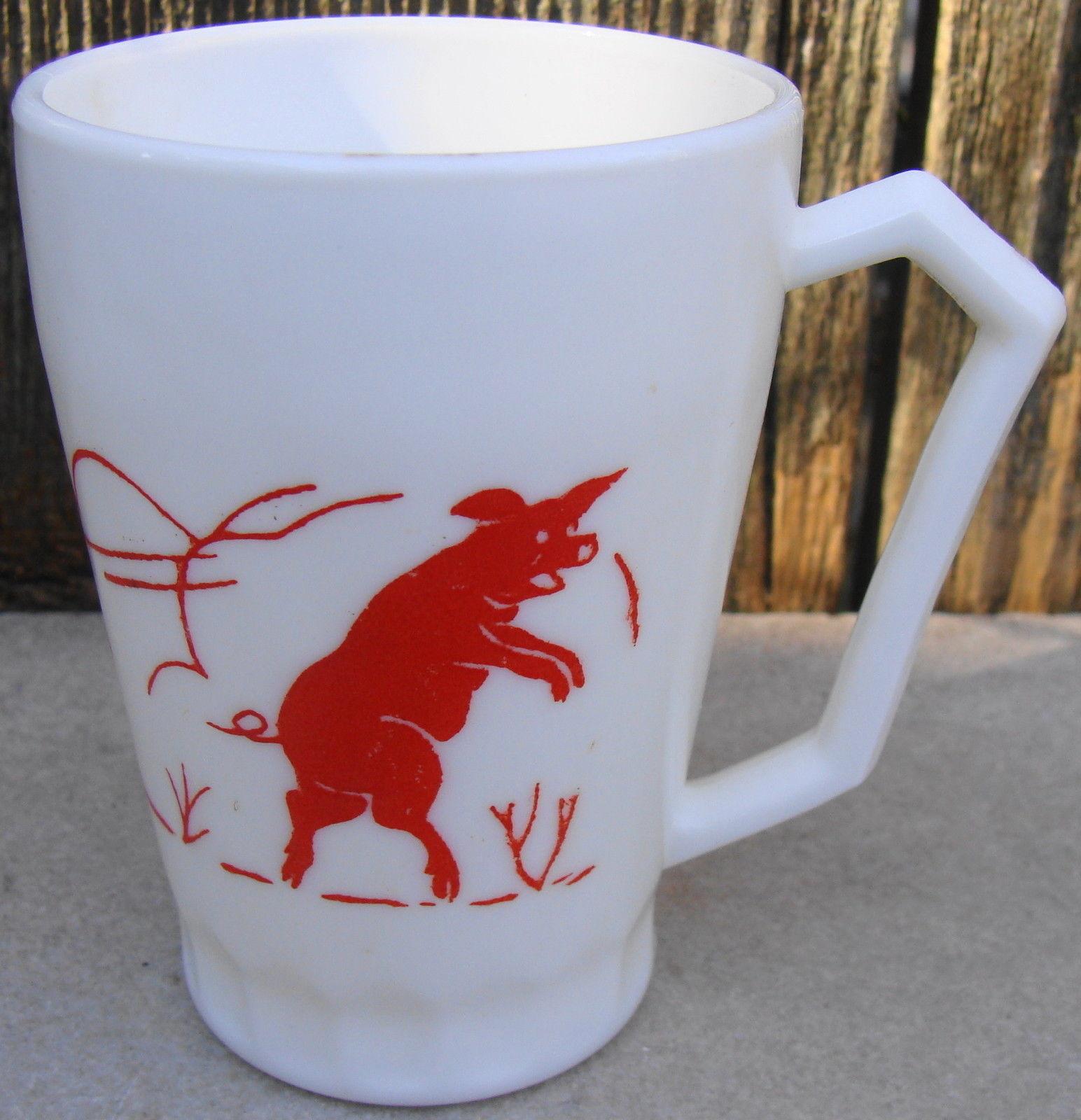 HAZEL ATLAS Kiddie Ware RED 3 LITTLE PIGS CUP Milk Glass USA - £20.21 GBP